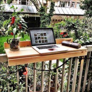 ban-bar-ngoi-laptop-lap-ban-cong