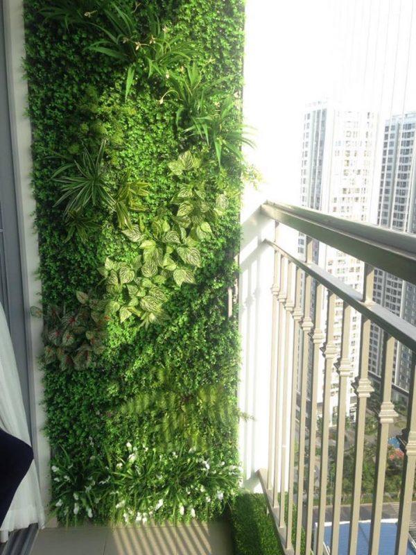 tường cây giả ban công xinh