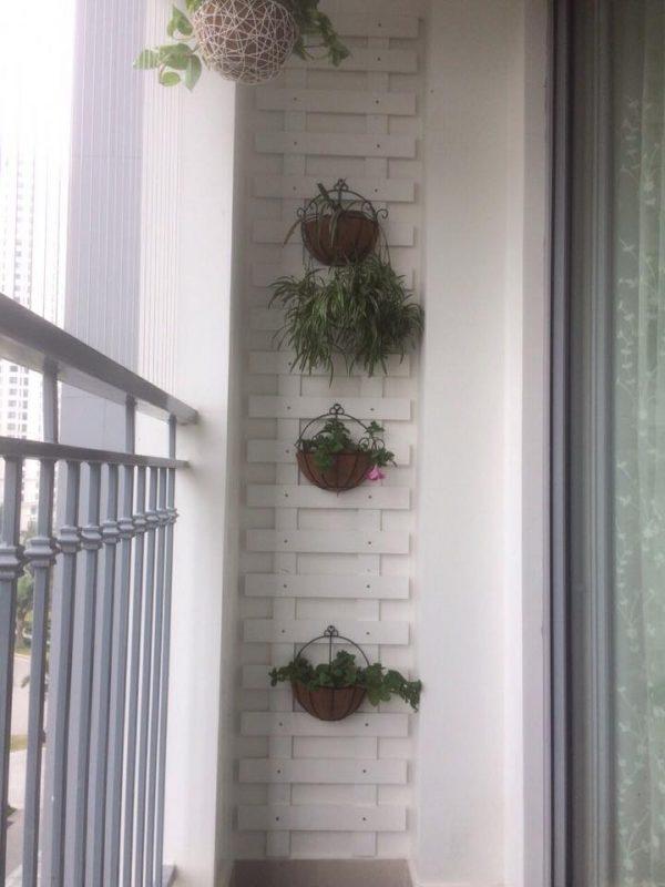 rào treo hoa cho ban công nhỏ