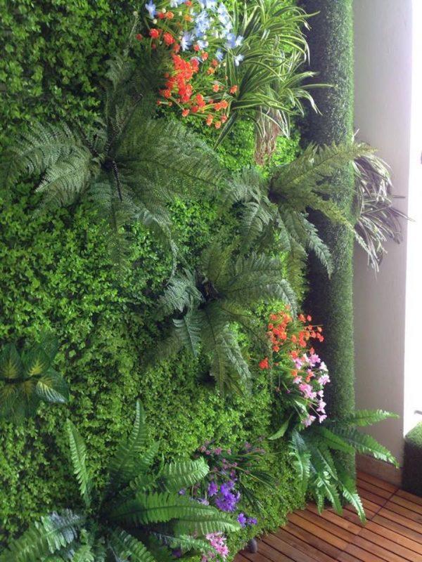 tường cây xanh cho ban công chung cư, lô gia